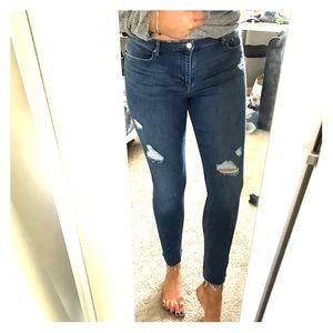 H&M Jeans - Distressed denim medium dark wash